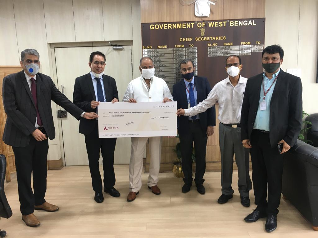 Axis Bank extends support to West Bengal relief efforts 1