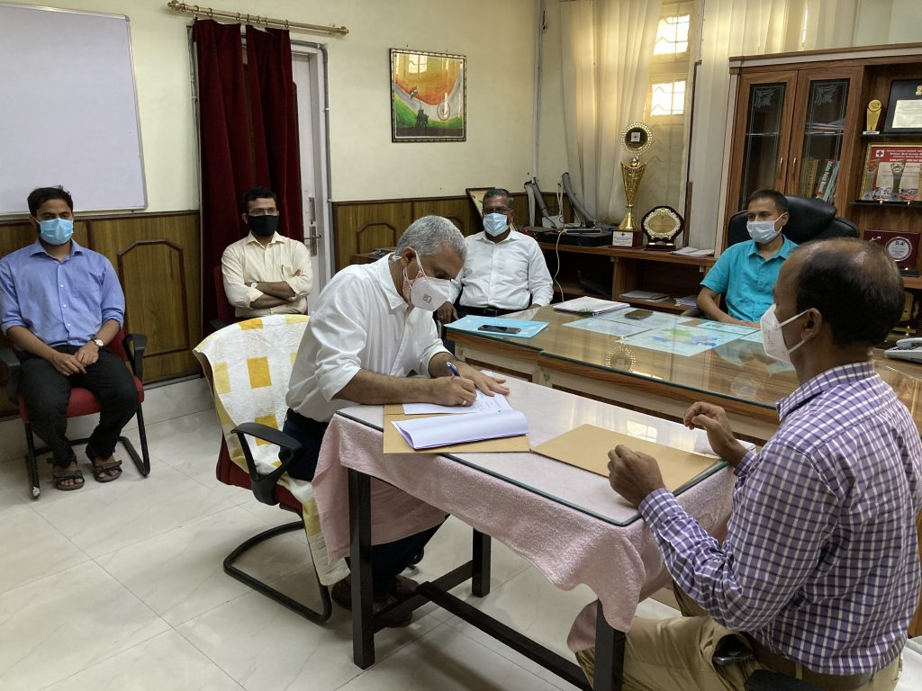 IIM Sambalpur signs MoU with the Office of the Collector cum District Magistrate 1