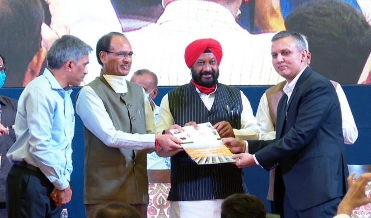 NTPC REL receives the Letter of Award for 325 MW Solar Projects from Honourable Chief Minister of Madhya Pradesh 1